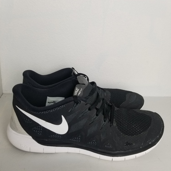 separation shoes 7e525 710dc Nike Free 5.0 Black/white
